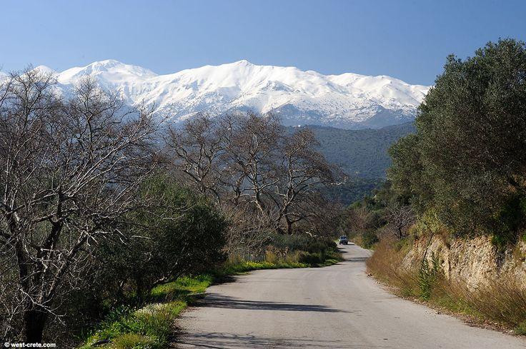 Road between Stylos & Kalyves, Crete