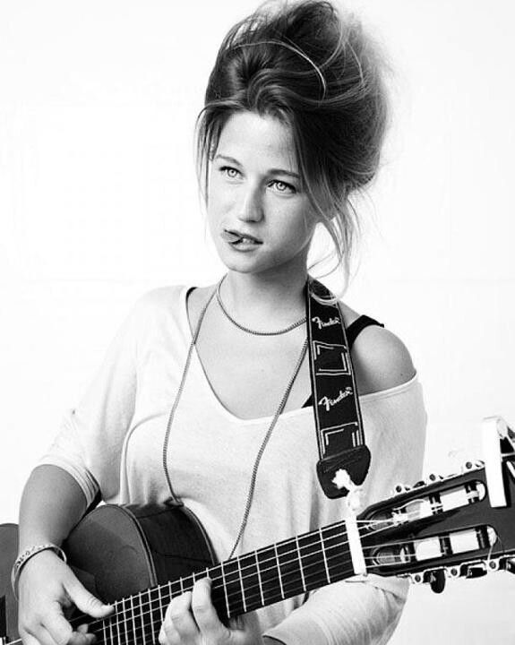 Selah Sue is adorable