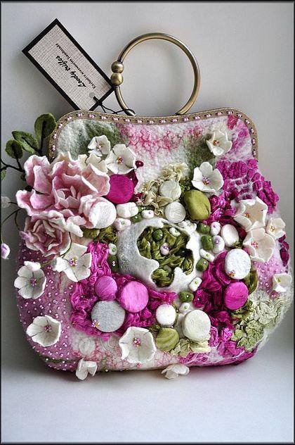 Go-Go-Gorgeous, Felted Floral Handbag!