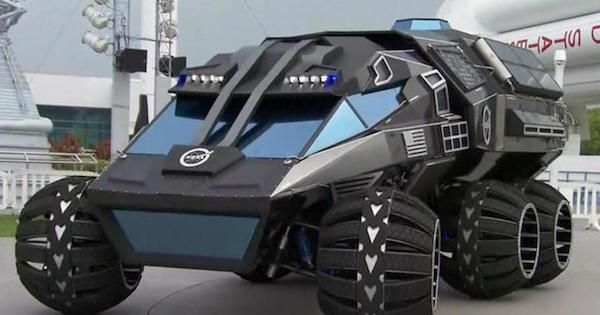 The new Mars Rover concept looks like Batmobile Automakers from around the world are trying each year to build the best concepts that can surprise everyone.