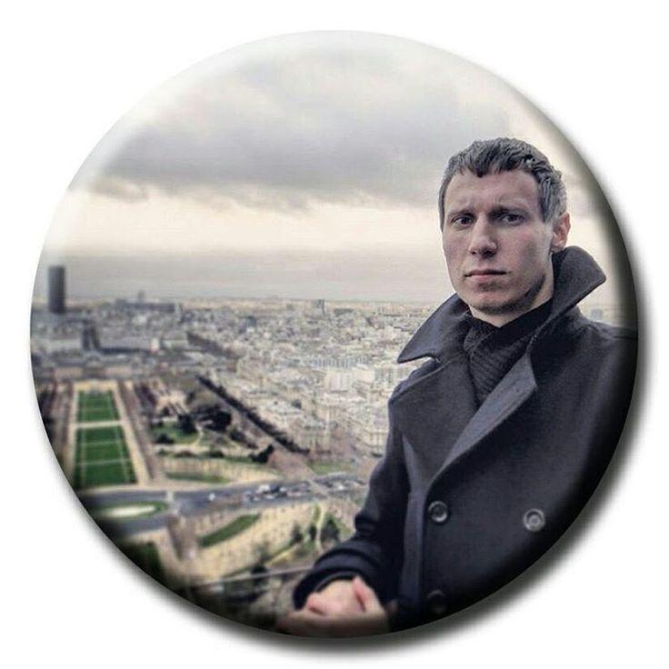 С Эйфеля #франция #france #париж #paris #эйфелевабашня #eiffeltower #путешествия #путешествие #travel #traveling #travelingtheworld #traveligram #искусство #art #архитектура #architecture #люди #people #gogoodwell #gg_people #ggspots http://tipsrazzi.com/ipost/1508500836242110853/?code=BTvRYSnlzmF