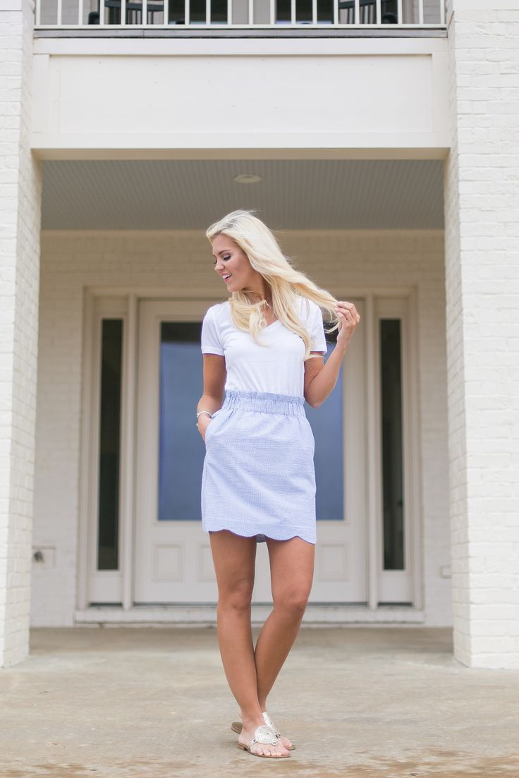 Navy Scalloped Skirt! http://www.laurenjames.com/collections/skirts/products/scallop-seersucker-skirt