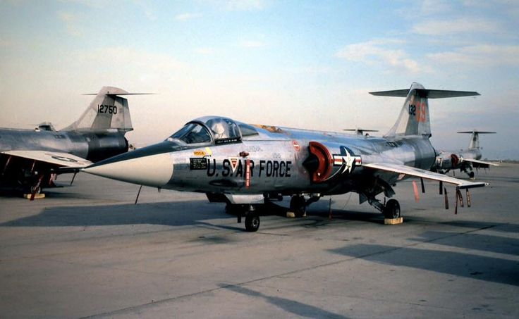 69th TFTS Commander's Jet F-104G 63-13269 of the 69th TFTS ...