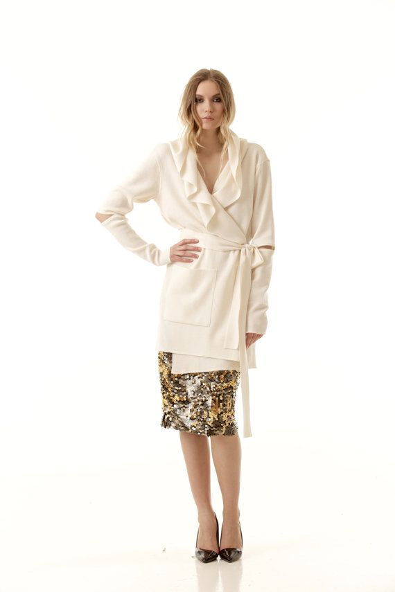EMILIE WHITE // Wrap open front hooded cardigan by Krista Elsta.