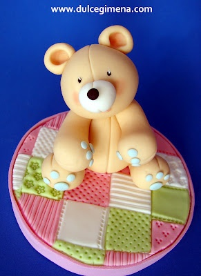 Osito modelado en fondant. porcelana fria polymer clay pasta francesa masa flexible fimo modelling modelado figurine cake topper