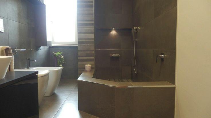 Bagno con grande doccia in muratura  Realizzazioni Piovano Home Design  Pinterest