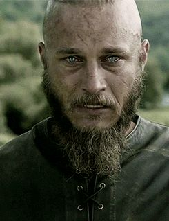 2014 Travis Fimmel Girlfriend   ... Con Interviews: We Asked Vikings' Travis Fimmel About The Baby Goat