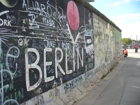 like it never ends #thewall #berlin #mitte