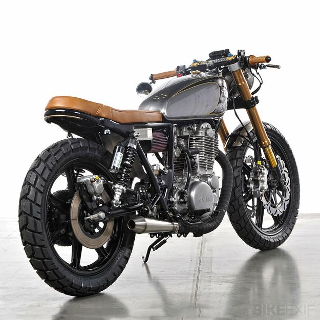 1979 Yamaha SR500 With pretty much exactly the seat I want to put on my gsxr
