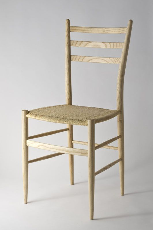 Chiavari chair mod. Gobbetta by Fratelli Levaggi in ash wood. #chiavarichair #chair #chiavari