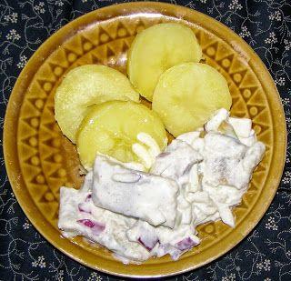 W Mojej Kuchni Lubię.. : ziemniaki ze śledziami na obiad...