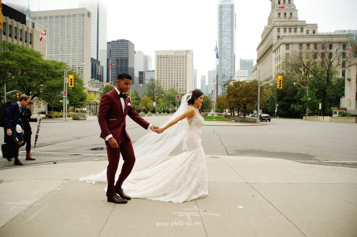 University of Toronto Club Wedding Pictures. Toronto rocks! Could crossing University Avenue :-)