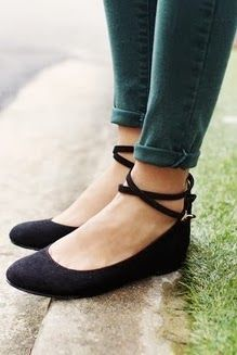 Super cute black flat shoes fashion