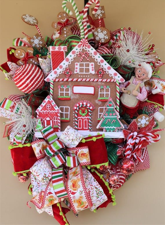 Gingerbread House Christmas Wreath Elf Door Decoration Gingerbread Cookie Decor Whimsical Holiday Christmas Wreaths Christmas Classroom Door Holiday Swag