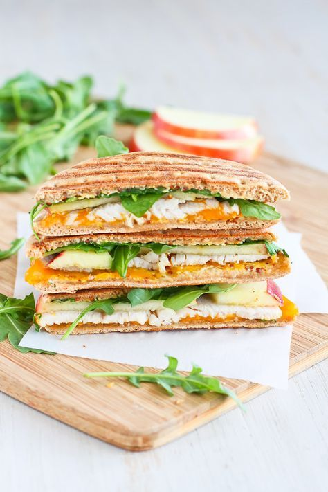Turkey Panini with Apple, Cheddar & Arugula... The perfect lunchtime sandwich! 235 calories and 7 Weight Watchers PP | http://cookincanuck.com #recipe