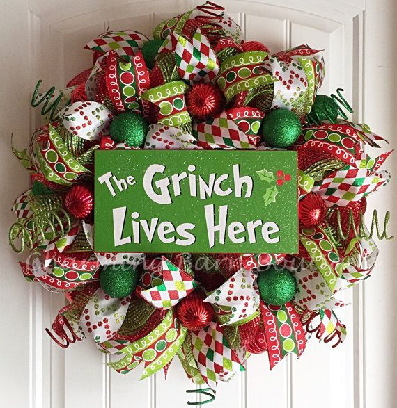 Christmas Wreath, Grinch Wreath, The Grinch Lives Here, Holiday Wreath, Mesh Christmas Wreath, Grinch Decor, Christmas Decor, The Grinch