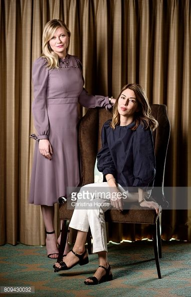 Navega por las últimas fotos de Sofia Coppola and Kirsten Dunst, Los Angeles Times, June 25, 2017. Mira las imágenes y averigua más sobre Sofia Coppola and Kirsten Dunst, Los Angeles Times, June 25, 2017 en Getty Images.