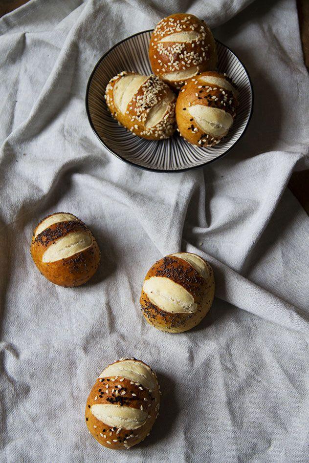 """Laugenbröt (i panini che io chiamavo """"pretzel buns"""")"""