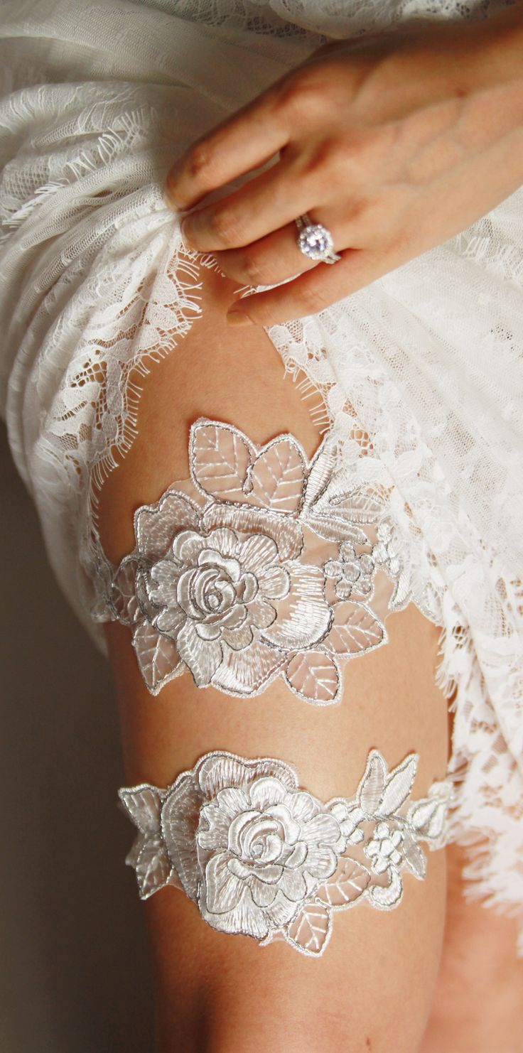 Bridal Silver Ivory Embroidery Lace Bridal Garter Set - Wedding Garters - Keepsake Garter Toss Garter Set