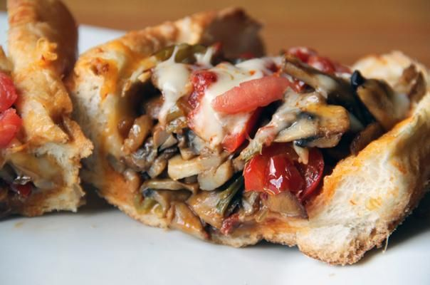 (VEGETARIAN) CHEESESTEAK SANDWICH!! Have you received your FREE copy of our Healthy Is Sexy Cheat Sheet?? get yours here-->>  www.teamhealthyyou.com