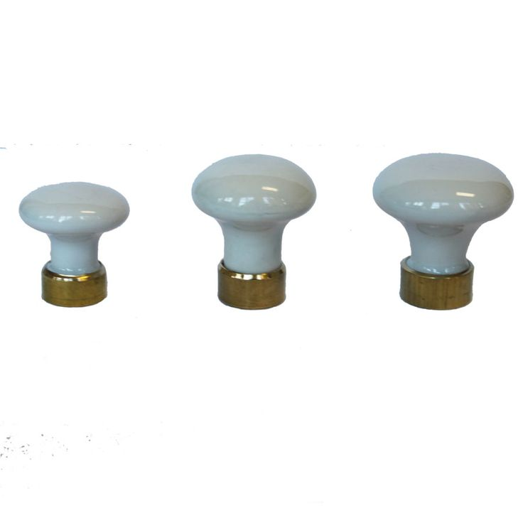 Vit porslinsknopp med mässingsfäste (tre olika storlekar)