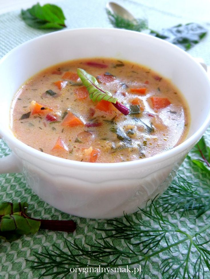 Zupa z botwinką i kaszą jaglaną  | Oryginalny smak