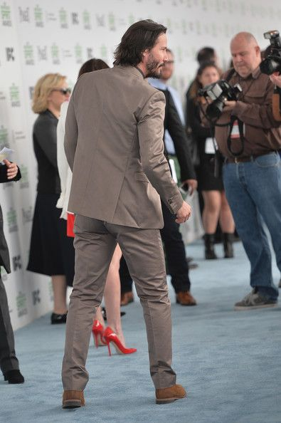 Keanu Reeves Photos Photos - Actor Keanu Reeves attends the 2014 Film Independent Spirit Awards at Santa Monica Beach on March 1, 2014 in Santa Monica, California. - 2014 Film Independent Spirit Awards - Arrivals
