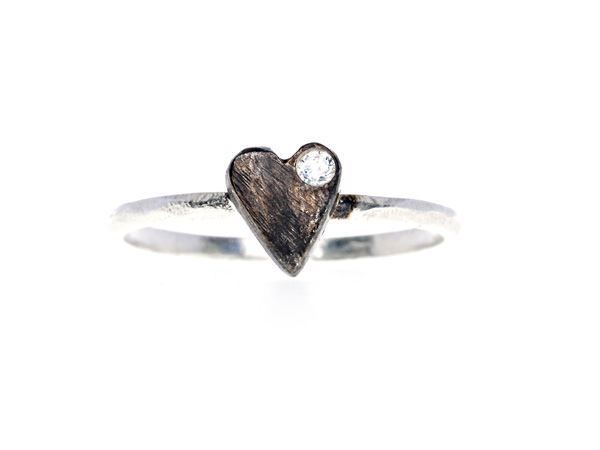 Black Crystal Heart Ring - 925 Sterling silver. Heart is oxidized and decorated with a CZ crystal - HeidisHoff.no