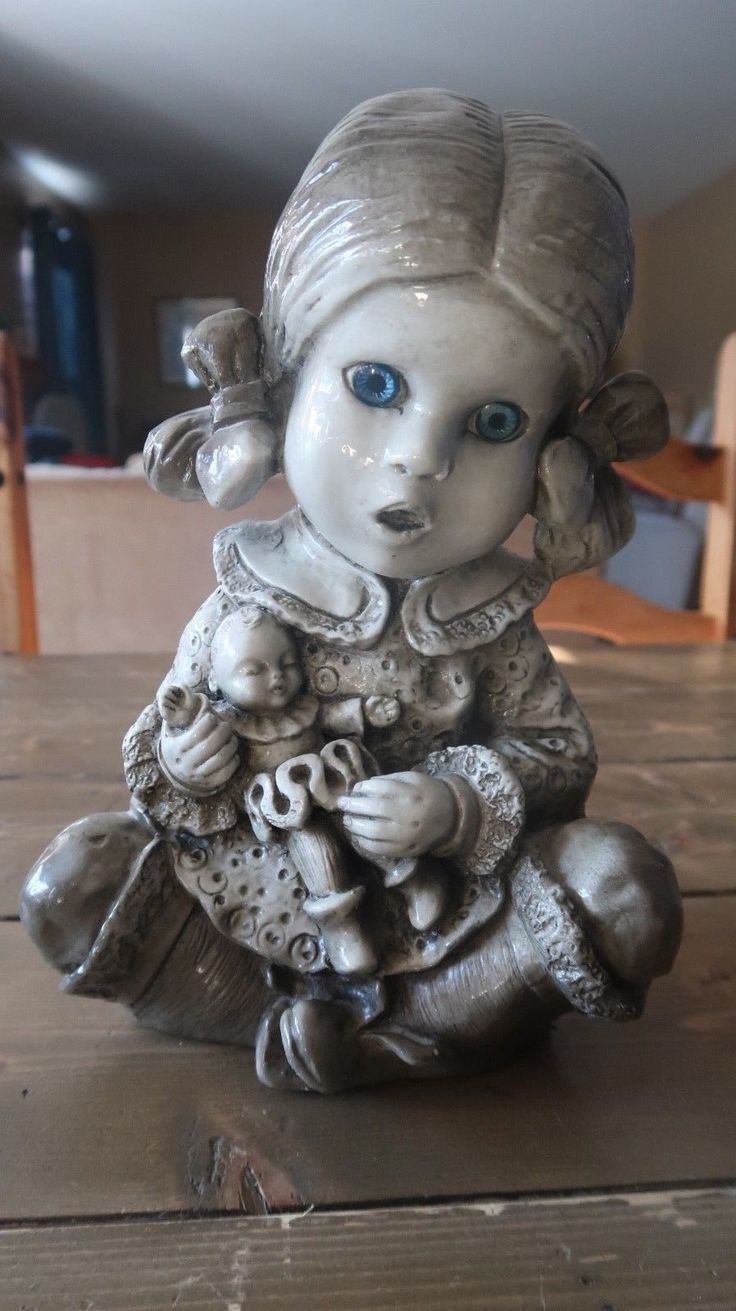 SUPER CREEPY Vintage 1978 Ceramic Girl and her Doll Statue Signed LCL | eBay