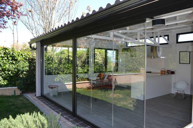 Patio porche terraza moderno decoracion via for Tejados de madera terrazas