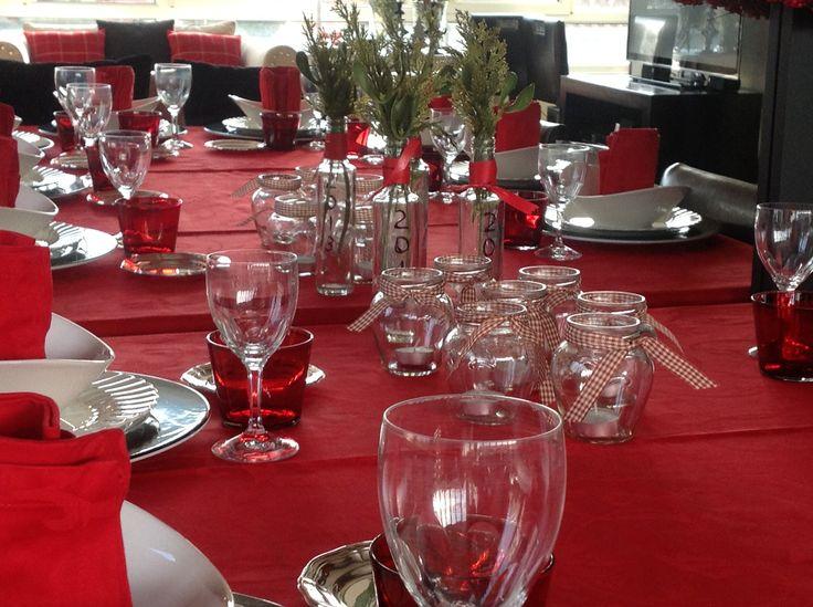 detalle de la mesa para la cena de navidad