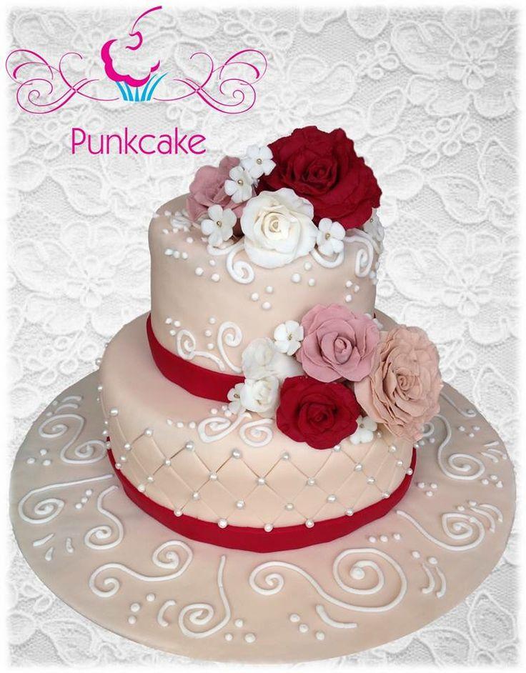 Bolo Artístico  Punkcake / PunkcakePe  engagement cake  Bolo de noivado
