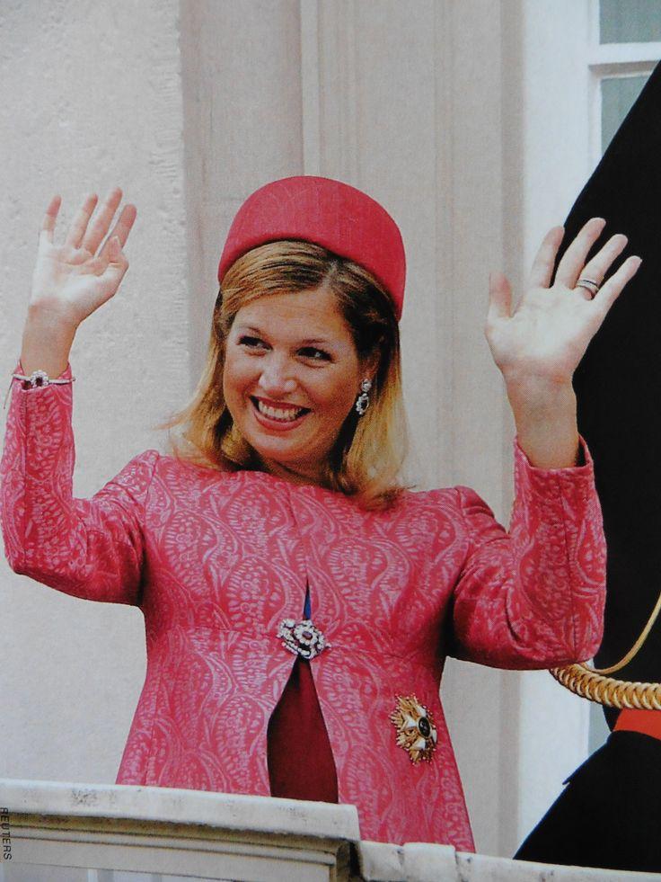 Prinsjesdag 2003, Maxima ca 7 maanden zwanger, hierna moet ze 2 maanden bedrust houden en zien we haar niet meer in het openbaar.