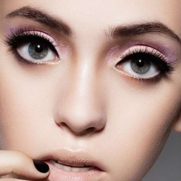 Make up occhi rosa primavera estate 2016 - Sfumature rosa a contrasto con mascara e eyeliner neri