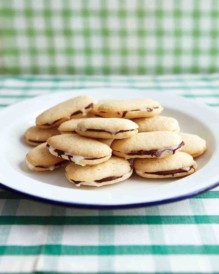Christmas Cookie Recipes: Mint-Chocolate Sandwich Cookies
