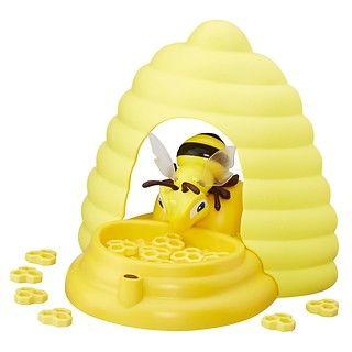 Wesoła pszczółka to wspaniała edukacyjna zabawka dla dzieci. Gra polega na zdobyciu, jak największej ilości plastrów miodu ukrytych w ulu strzeżonym przez pszczółkę. #zabawki #Święta #gifts #idea