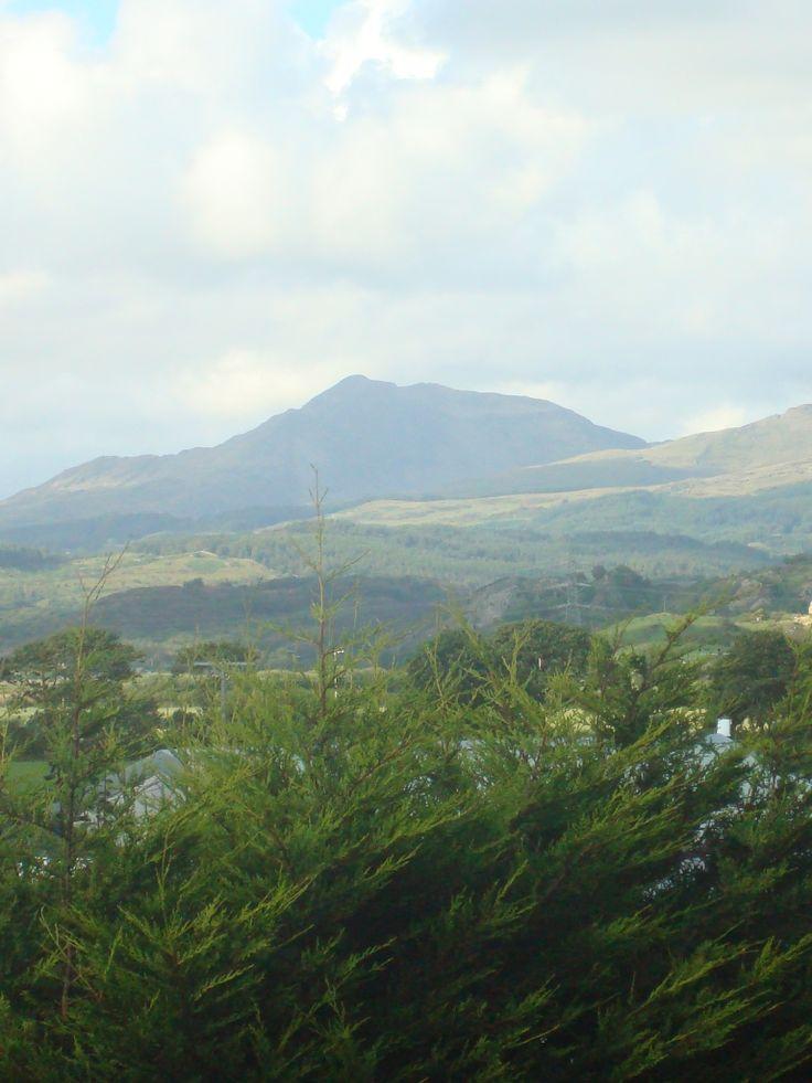 Mountains near Porthmadog seen from Talsarnau. Aug 2011