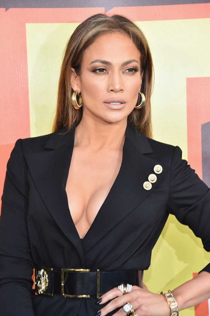 Pin for Later: Jennifer Lopez Still Has the Lushest Eyelashes in Hollywood Jennifer Lopez at the 2015 MTV Movie Awards