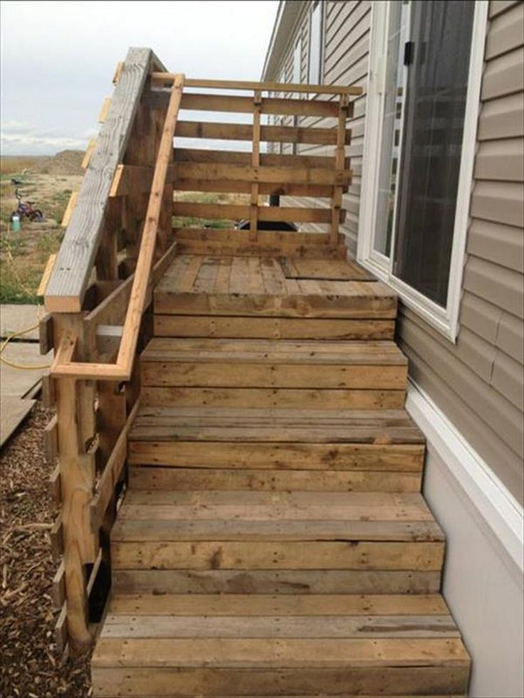 Pallet Wood Stairs