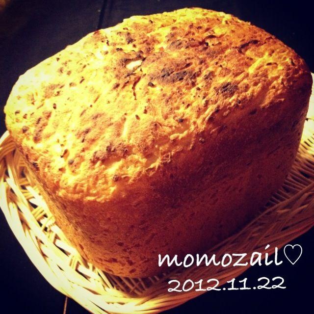 泣きたい時はパンを焼きます 嬉しい時もパンを焼きます  今日は気分に合わせてハード系も作りました パン作りがあるから、気持ちが紛れるって。あるんだなぁ… - 175件のもぐもぐ - 明日の朝ごパン♡【ご飯、ライ麦、有精卵、ショートニングのハードパン】 by momozail