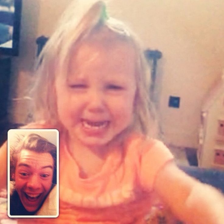 I BET LUX WAS CRYING SO LOU WAS LIKE OK LETS FACE TIME UNCLE HARRY OMG FEELS