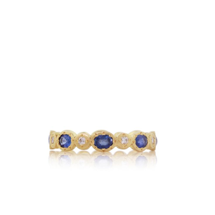 Blue Sapphire Oval Band by Adel Chefridi #bluesapphirejewelry #weddingbands #adelchefridi #askindredspirits