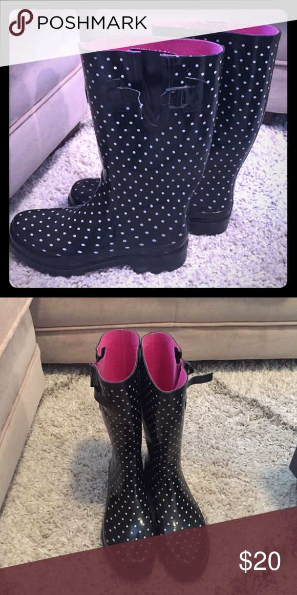 Black and white rain boots Black and white rain boots with pink lining Shoes Winter & Rain Boots