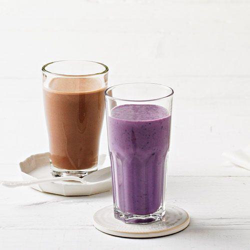 Ein Smoothie wird aus ganzen Früchten gemacht und schmeckt cremig-frisch. Fruchtige Smoothie-Rezepte aus der BRIGITTE-Küche - von Himbeer bis Banane.