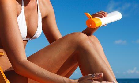 Prepariamo la pelle al sole, tutti i consigli utili per non farsi trovare impreparate dalla bella stagione