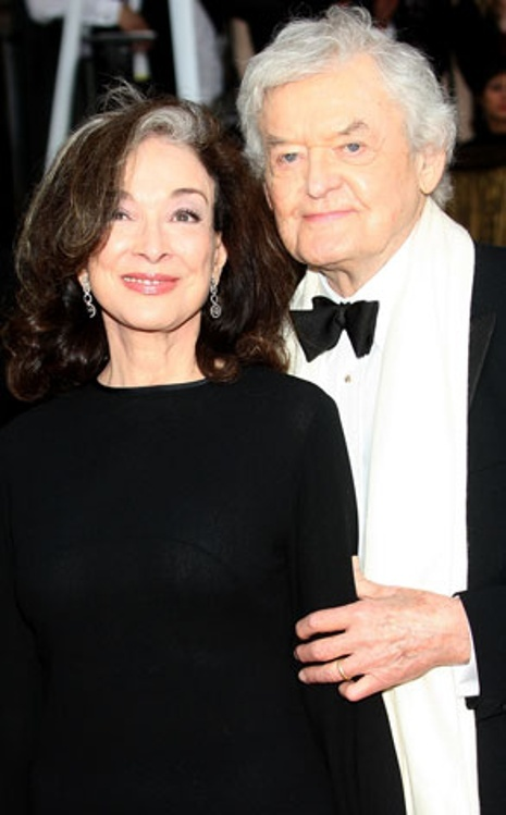 Dixie Carter, Hal Holbrook She was all class & sass! Married 26 yrs when she passed away in 2010.
