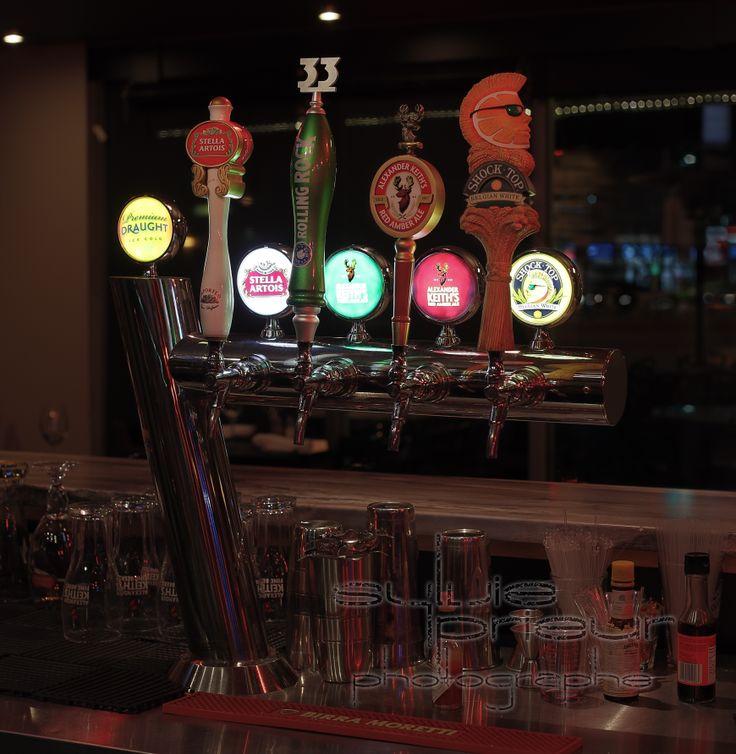 Fontaine de bière en fut du Restaurant Omerta.