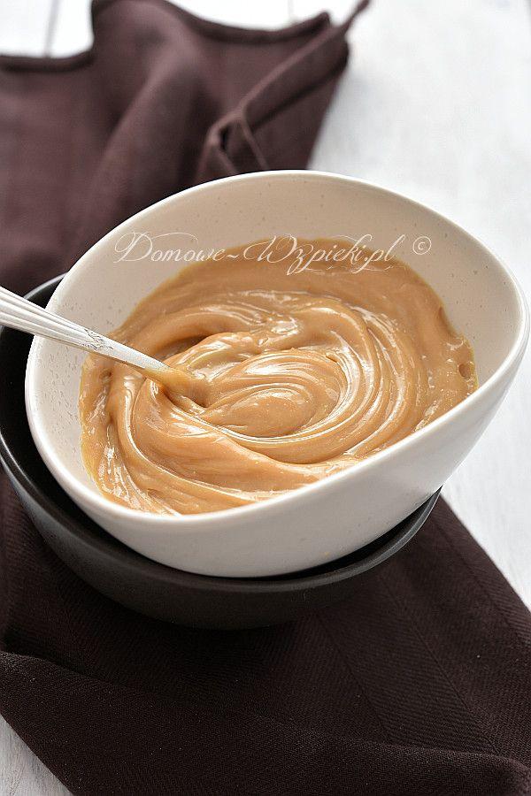 Masę krówkową, zwaną również kajmakową, kajmakiem lub dulce de leche wykorzystuje się do mas, kremów, dekoracji wypieków, jak również do...