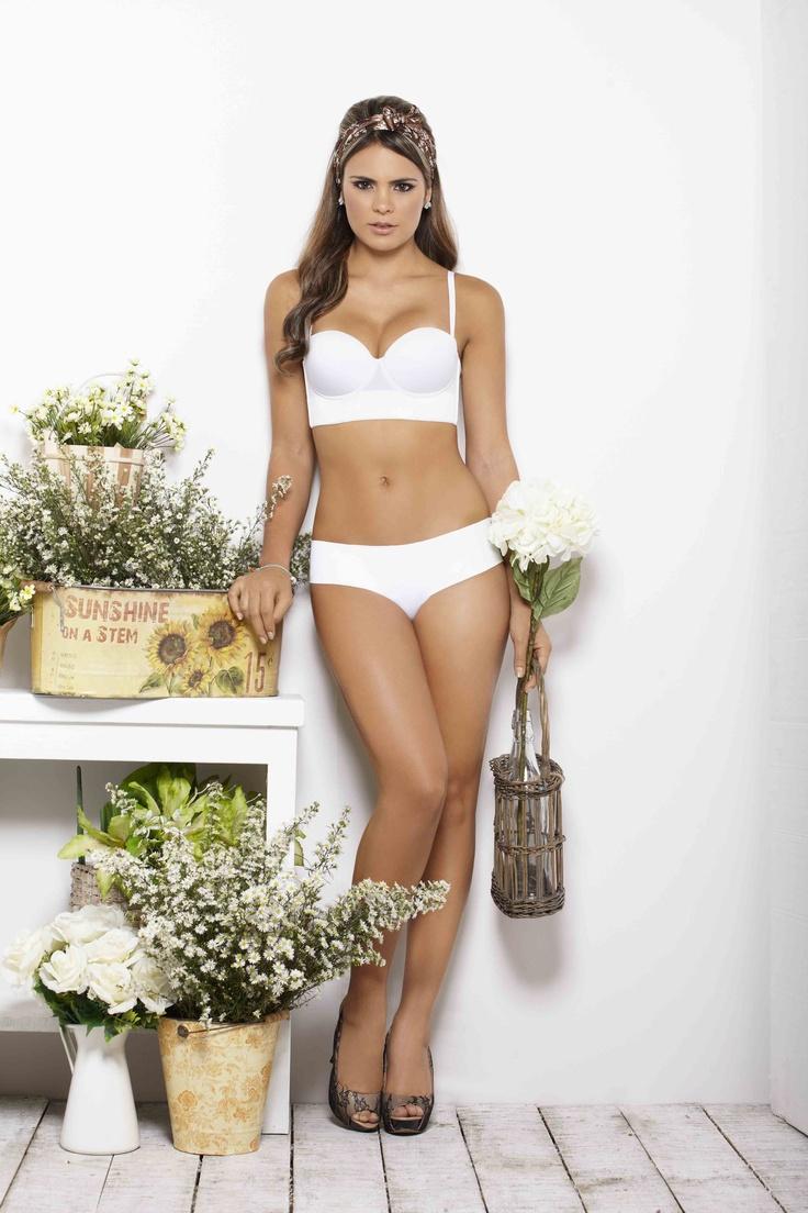 La Mujer Natural es opuesta a lo sintético.  www.haby.com.co