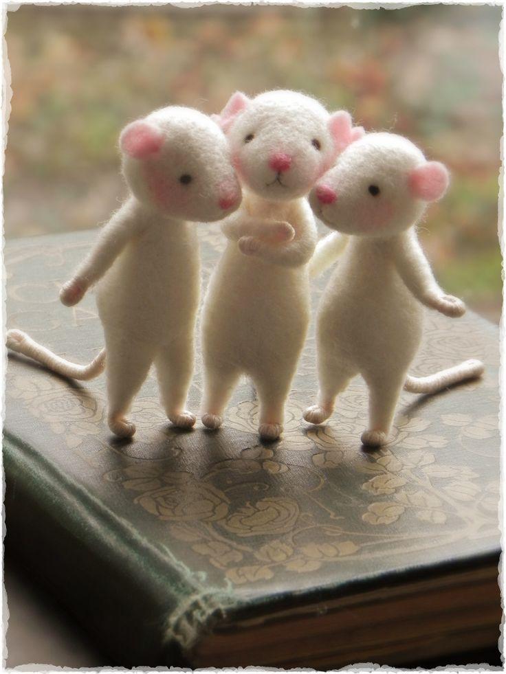 Ratoncitos de lana cardada